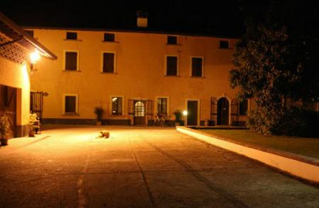 Bed & Breakfast / Pensione Cascina alle Rose_winter